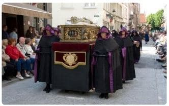 Processione in costume del Sacro Sangue
