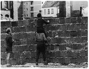 Costruzione muro di berlino yahoo dating