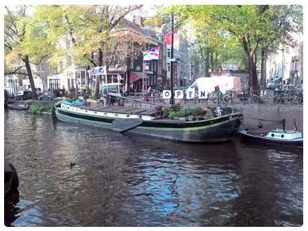 Cosa vedere ad amsterdam 44 luoghi interessanti da visitare for Case galleggianti amsterdam