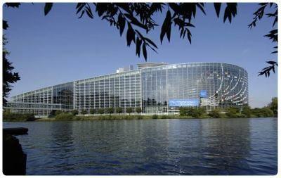 Cosa vedere a strasburgo 20 luoghi interessanti da non for Parlamento sede